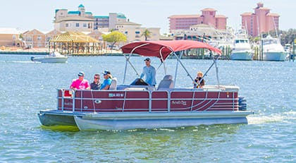 Family spending the day on a rented Pontoon Boat from Happy Harbor Marina.
